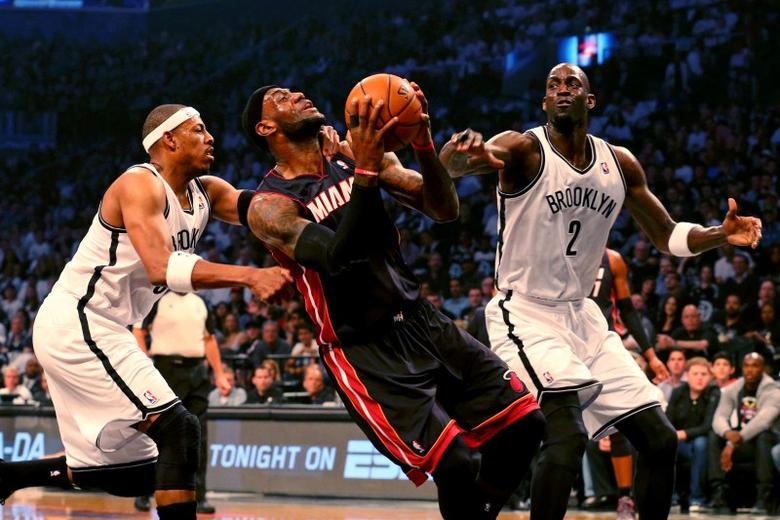 【影片】美媒回顧皮爾斯生涯恥辱一戰!賽前申請領防詹姆斯,然後被詹姆斯轟下49分打爆!-Haters-黑特籃球NBA新聞影音圖片分享社區