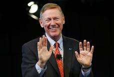 Ford Motor Co, President and CEO Alan Mulally  acknowledges the audience during a press conference At Ford World Headquarters to announce his retirement from Ford effective July 1, in Dearborn, Michigan May 1, 2014.    REUTERS/Rebecca Cook