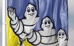 Michelin a annoncé lundi son intention d'acquérir la société Sascar, leader brésilien de la gestion numérique de flottes et de sécurisation des biens transportés, afin de développer son offre de service aux transporteurs et d'accélérer la croissance de son activité poids lourds au Brésil. /Photo d'archives/REUTERS/Régis Duvignau