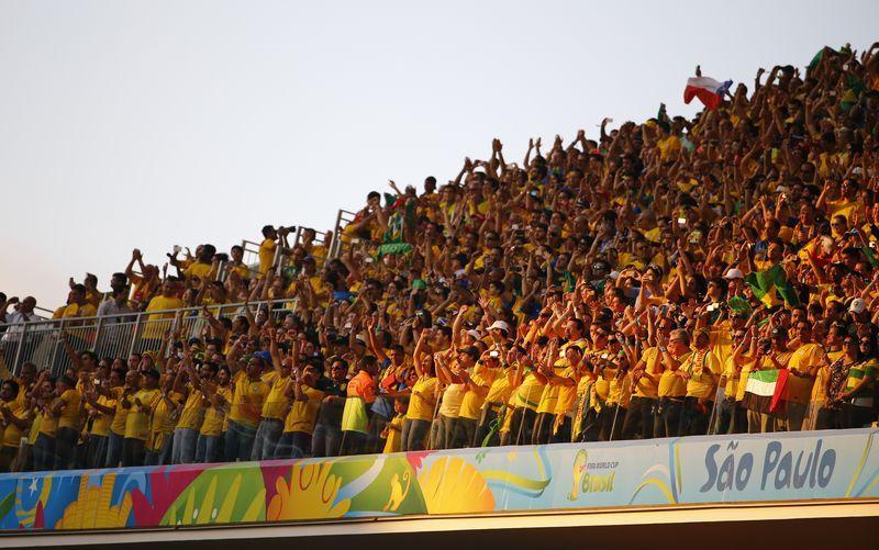 4083df0edd0b1 Apoio da torcida no jogo em São Paulo surpreende seleção brasileira ...