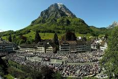 View of the tradional 'Landsgemeinde' on the town square of Glarus, Switzerland, May 4, 2003 with 'Mount Glaernisch' in background.