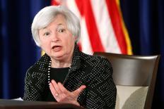 En la imagen, Janet Yellen, presidenta de la Reserva Federal, ofrece una rueda de prensa en Washington el 18 de junio de 2014.  La actividad fabril en la región norte de la costa este de Estados Unidos se aceleró a un ritmo mayor a lo previsto en junio, mostró un sondeo oficial publicado el jueves. REUTERS/Jonathan Ernst