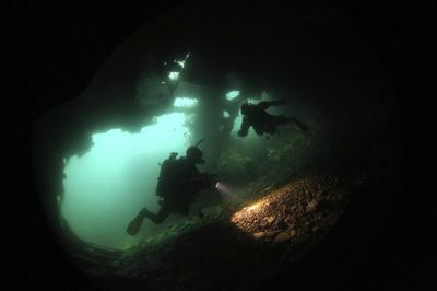 Diving on sunken WWI warships
