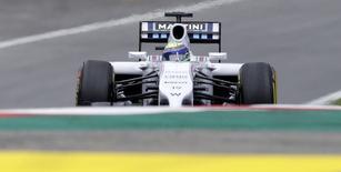 Felipe Massa dirige seu Williams durante classificatório para o GP da Áustria. 21/06/2014.  REUTERS/David W Cerny