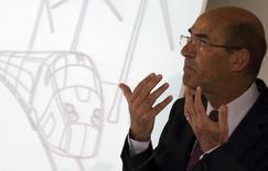 Le PDG d'Alstom, Patrick Kron, estime que l'Etat ferait un bon investissement en prenant 20% du capital du groupe dans le cadre de la vente de la branche énergie à l'américain General Electric. /Photo prise le 7 mai 2014/REUTERS/Philippe Wojazer