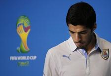 Luis Suárez, da seleção do Uruguai, chega para entrevista coletiva em Natal. 23/06/2014. REUTERS/Carlos Barria