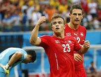Xherdan Shaqiri, da seleção da Suíça, comemora gol marcado contra Honduras em Manaus. 25/06/2014. REUTERS/Siphiwe Sibeko