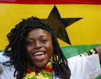 Болельщица сборной Ганы в Форталезе 21 июня 2014 год. Португалия в четверг сыграет с Ганой в матче группы G чемпионата мира в Бразилии. REUTERS/Laszlo Balogh