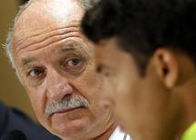 Técnico Luiz Felipe Scolari e zagueiro Thiago Silva em entrevista coletiva em Belo Horizonte. 27/06/2014  REUTERS/Eric Gaillard