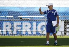 Técnico da Argentina, Alejandro Sabella, durante treino da seleção em São Paulo. 30/6/2014 REUTERS/Kai Pfaffenbach