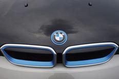 BMW va investir un milliard de dollars (730 milliards d'euros) dans une usine au Mexique, devenant ainsi le dernier constructeur a vouloir profiter d'un marché en plein expansion. /Photo prise le 3 juillet 2014/REUTERS/Carlos Jasso