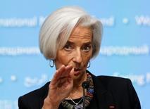 La directrice générale du Fonds monétaire international, Christine Lagarde. Le FMI estime que l'activité économique mondiale, morose au cours des premiers mois de 2014, devrait se renforcer dans la seconde partie de l'année et s'accélérer en 2015 mais la dynamique pourrait être moins forte que prévu.  /Photo d'archives/REUTERS/Gary Cameron