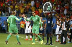 Goleiro Tim Krul substitui Jasper Cillessen em partida entre Holanda e Costa Rica, na Arena Fonte Nova, em Salvador. 5/7/2014 REUTERS/Paul Hanna