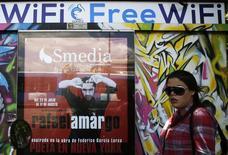 La faillite du fournisseur espagnol d'accès à internet en wifi Gowex risque de mettre à mal la confiance des investisseurs dans le marché boursier espagnol au moment où les capitaux étrangers commencent à revenir après cinq années de crise économique. /Photo prise le 7 juillet 2014/REUTERS/Andrea Comas