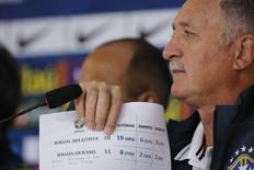 Técnico da seleção brasileira Luiz Felipe Scolari em coletiva de imprensa na Granja Comary, em Teresópolis. 9/7/2014 REUTERS/Marcelo Regua