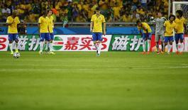 Jogadores da seleção brasileira, após tomarem quarto gol em partida contra a Alemanha, em Belo Horizonte. 8/7/2014 REUTERS/Damir Sagolj