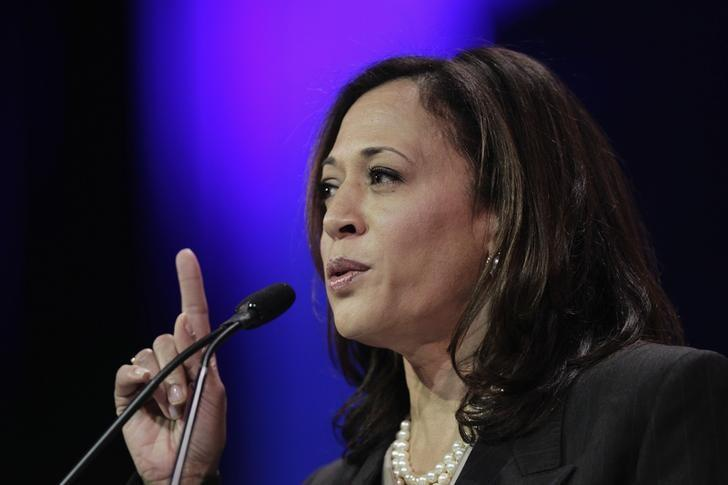 Attorney General Kamala D. Harris speaks at the 2014 California Democrats State Convention at the Los Angeles Convention Center in Los Angeles, California, March 8, 2014 file photo.   REUTERS/David McNew