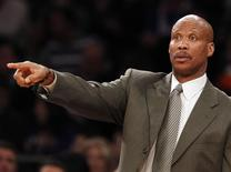 Cleveland Cavaliers head coach Byron Scott gives instructions to his team during the fourth quarter of their NBA basketball game against the New York Knicks at Madison Square Garden in New York December 15, 2012.    REUTERS/Adam Hunger