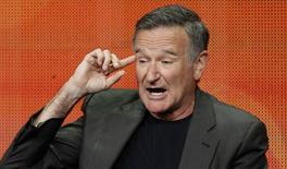 Foto de archivo del actor Robin Williams hablando en un panel en Beverly Hills, California. Jul 29, 2013.  El actor Robin Williams fue encontrado muerto el lunes en su hogar en el norte de California, tras un aparente suicidio, dijo la Comisaría del Condado de Marin. REUTERS/Mario Anzuoni
