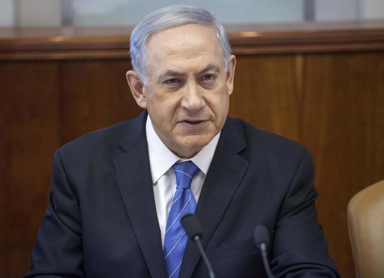 Israel's Prime Minister Benjamin Netanyahu attends the weekly cabinet meeting in Jerusalem August 17, 2014.   REUTERS/Emil Salman/Pool