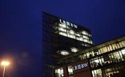 """Офис LBBW в Штутгарте 7 декабря 2009 года. Российский Экспобанк бизнесмена Игоря Кима закрыл сделку по покупке 100 процентов чешской """"дочки"""" германского Landesbank Baden-Württemberg (LBBW) - LBBW Bank CZ, сообщил Экспобанк. REUTERS/Johannes Eisele"""