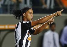 Ronaldinho comemora gol do Atlético Mineiro em 19 de março.  REUTERS