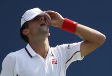 Sérvio Novak Djokovic durante confronto com o japonês Kei Nishikori no Aberto dos EUA. 06/09/2014 REUTERS/Mike Segar