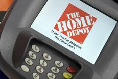 A closeup of an electronic payment station is shown at a Home Depot store in Daly City, California, in this February 21, 2012 file photo.  REUTERS/Beck Diefenbach/Files