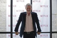 Le PDG de Netflix, Reed Hastings. Le groupe aux 50 millions d'abonnés veut se concentrer dans l'année qui vient sur la réussite de sa conquête des consommateurs français et allemands avant d'envisager une nouvelle phase de son expansion qui pourrait l'emmener en Asie. /Photo prise le 15 septembre 2014/REUTERS/Gonzalo Fuentes