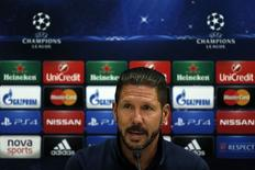 Técnico Simeone concede entrevista na Grécia nesta segunda-feira.  REUTERS/Yorgos Karahalis