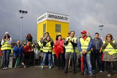 A Bad Hersfeld, dans le centre de l'Allemagne. Le personnel de quatre entrepôts d'Amazon s'est mis en grève lundi à l'appel du syndicat Verdi dans le cadre d'un conflit salarial qui dure depuis plusieurs mois. /Photo prise le 22 septembre 2014/REUTERS/Kai Pfaffenbach
