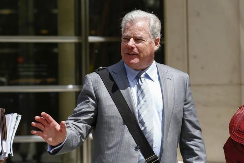 Shand Stephens, a lawyer for Arab Bank Plc, exits the Brooklyn Federal Court in Brooklyn, New York August 14, 2014. REUTERS/Eduardo Munoz