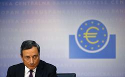 La Banque centrale européenne (BCE) maintiendra une politique monétaire accommodante tant que le taux d'inflation ne se rapprochera pas de 2%, a réitéré son président Mario Draghi. /Photo prise le 4 septembre 2014/REUTERS/Kai Pfaffenbach