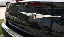 Chrysler Group, filiale du groupe Fiat, a annoncé le rappel d'environ 350.000 véhicules de l'année modèle 2008 en raison d'un défaut concernant la clé de contact. Les véhicules concernés sont les modèles Charger et Magnum de la marque Dodge, la Chrysler 300 et les Jeep Grand Cherokee et Commander, tous de l'année modèle 2008, dont 292.000 véhicules aux Etats-Unis, 19.000 au Canada, 5.000 au Mexique et 33.300 hors Amérique du Nord. /Photo d'archives/REUTERS/Molly Riley