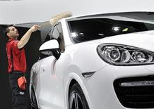 Le Porsche Cayenne Turbo S. Un style dominera au Mondial de l'automobile à Paris, celui du 4x4, tous les constructeurs cherchant à capter l'une des rares poches de croissance sur un marché européen toujours fragile./Photo d'archives/REUTERS/James Fassinger