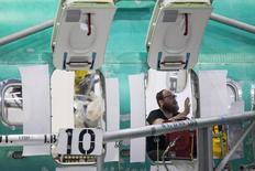 Les commandes à l'industrie aux Etats-Unis ont accusé en août un recul sans précédent de 10,1%, le contrecoup de l'envol des commandes d'avions civiles en juillet. /Photo d'archives/REUTERS/David Ryder
