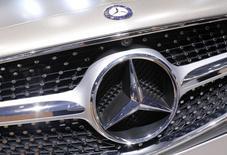 La Mercedes Classe C était équipée depuis le mois dernier d'un moteur diesel développé et fabriqué par Renault. /Photo prise le 2 octobre 2014/REUTERS/Jacky Naegelen