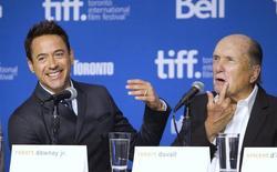 """Robert Downey Jr. e Robert Duvall durante entrevista em Toronto sobre o filme """"O Juiz"""", em 5 de setembro.  REUTERS/Fred Thornhill"""