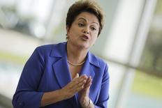 Presidente e candidata à reeleição, Dilma Rousseff (PT), em entrevista coletiva em Brasília. 10/10/2014 REUTERS/Ueslei Marcelino