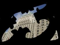 The historic Fairmont Royal York Hotel is photographed through nearby stonework in Toronto February 24, 2006.  REUTERS/J.P. Moczulski