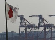 La production industrielle japonaise a rebondi de 2,7% en septembre en variation mensuelle, une hausse plus forte que prévu. /Photo d'archives/REUTERS/Kim Kyung-Hoon