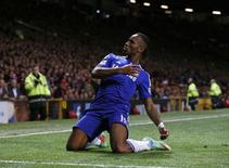 Atacante do Chelsea Didier Drogba comemora gol marcado contra o Manchester United no Old Trafford. 26/10/2014  REUTERS/Phil Noble