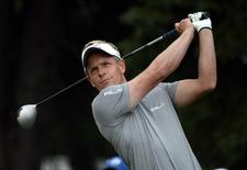 Luke Donald tees off the 10th hole during the second round of the RBC Canadian Open at Royal Montreal GC - Blue Course. Mandatory Credit: Eric Bolte-USA TODAY Sports