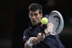 Tenista sérvio Novak Djokovic durante partida contra canadense Milos Raonic pela final do Masters de Paris. 02/11/2014 REUTERS/Benoit Tessier