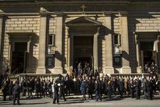 Pessoas comparecem ao funeral de Oscar de la Renta em Nova York nesta segunda-feira.  REUTERS/Lucas Jackson