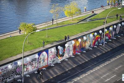 Retracing the Berlin Wall