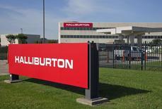 Baker Hughes, le numéro trois mondial des services pétroliers, a confirmé la tenue de discussions préliminaires avec Halliburton, le numéro deux, en vue d'une éventuelle fusion des deux groupes américains. /Photo d'archives/REUTERS/Richard Carson