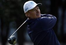 Ernie Els of South Africa tees off on the third hole during the second round of the WGC-HSBC Champions golf tournament in Shanghai November 7, 2014. REUTERS/Aly Song