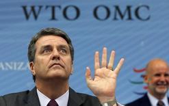 Roberto Azevedo, directeur général de l'Organisation mondaile du commerce. L'OMC a adopté jeudi la première réforme globale des règles du commerce international depuis sa création, après des années de discussions et des mois de blocage.. /Photo prise le 27 novembre 2014/REUTERS/Denis Balibouse