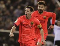 Lionel Messi, do Barcelona, comemora gol marcado contra o Valencia pelo Campeonato Espanhol. 30/11/2014 REUTERS/Heino Kalis